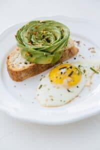 1300 calorie Paleo meal plan - avocado omelet