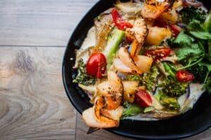 1300 calorie Paleo meal plan - shrimp salad