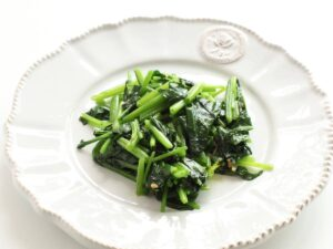 Vegan weight loss meal plan 1200 calories - sauteed spinach