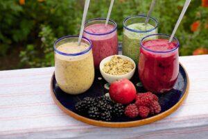 1000 calorie vegetarian meal plan - fruit smoothie