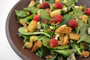 Keto diet for beginners - spinach salad