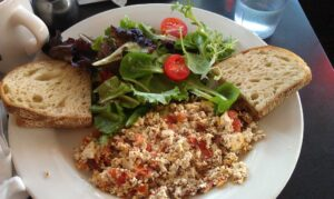Keto diet for beginners - tofu scramble