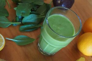 100 calorie smoothie - Spinach and grape smoothie