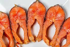 low carb pescatarian meal plan - smoked salmon