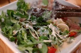 low carb pescatarian meal plan - tuna arugula salad