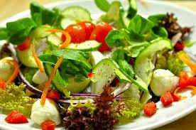 1000 calorie bariatric meal plan - spinach avocado salad